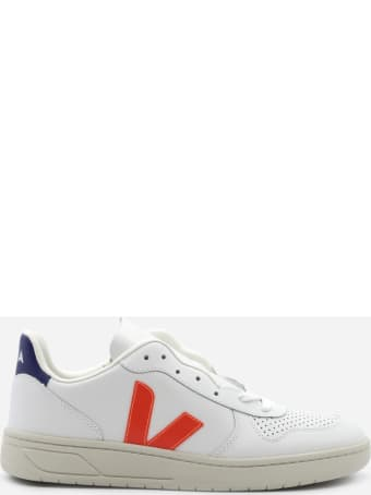 Veja V-10 Sneakers In Leather With Contrasting Heel Tab
