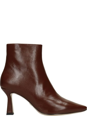 Lola Cruz High Heels Ankle Boots In Brown Leather