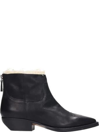 Julie Dee Ankle Boots In Black Leather