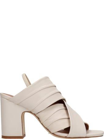 Julie Dee Sandals In Beige Leather