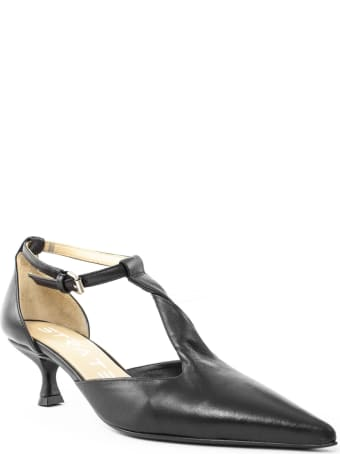 Strategia Black Leather Pumps