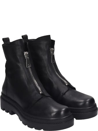 Strategia Combat Boots In Black Leather