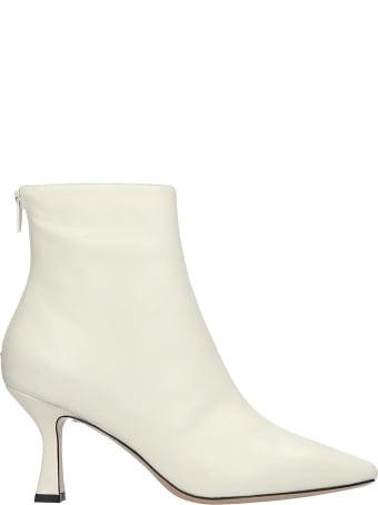 Fabio Rusconi Ankle Boots In White Leather
