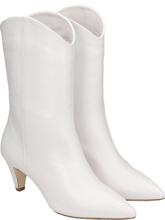 Julie Dee Ankle Boots In White Leather