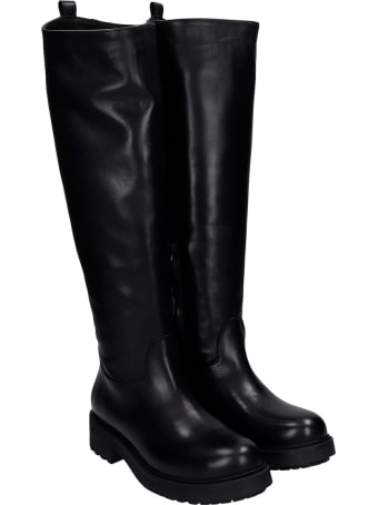 Julie Dee Combat Boots In Black Leather