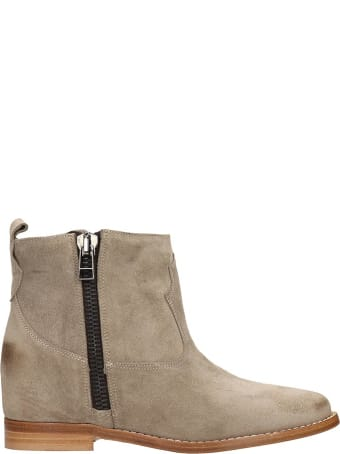 Julie Dee Ankle Boots In Taupe Suede