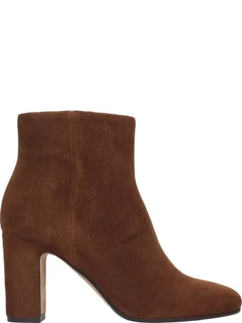 Julie Dee Ankle Boots In Leather Color Suede