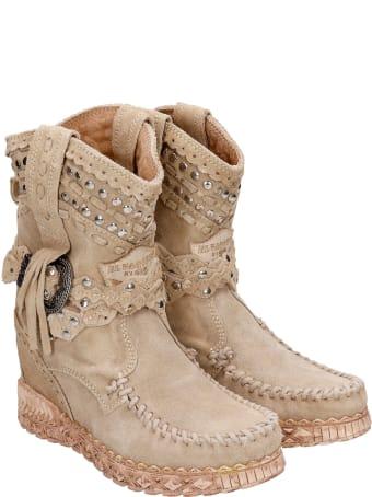 El Vaquero Yara Ankel Boots Inside Wedge In Beige Suede