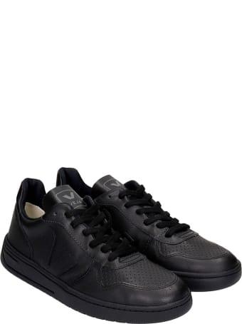 Veja V-10 Sneakers In Black Leather