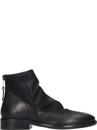Strategia Low Heels Ankle Boots In Black Leather
