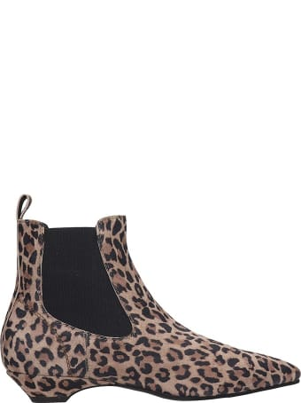 Janet & Janet Ankle Boots In Animalier Canvas