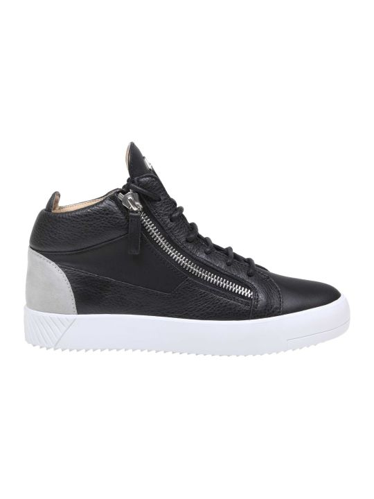 Giuseppe Zanotti Design Kriss Spot Sneakers In Black Leather