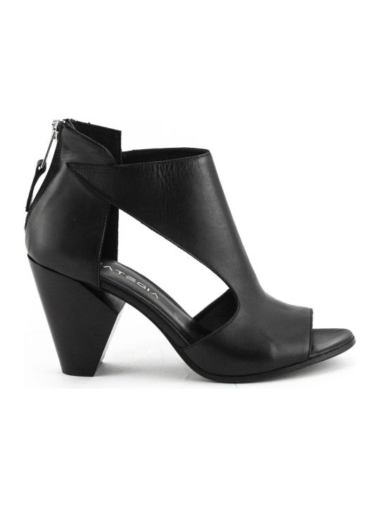Strategia Black Leather Ankle Boots