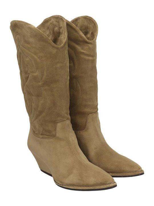 Del Carlo Texan Boots In Beige Suede