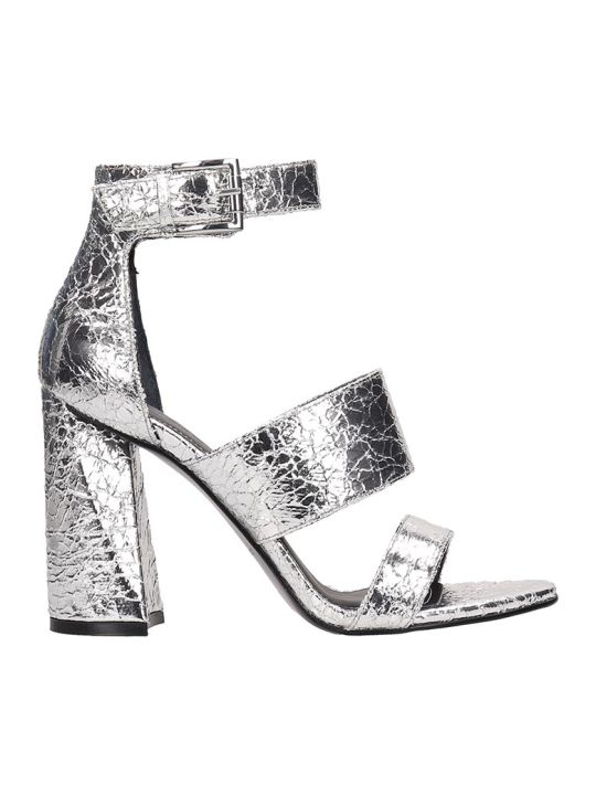 Kendall + Kylie Silver Crack Leather Jayne3b Sandals