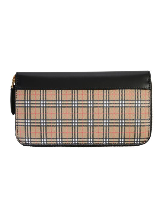 Burberry Zipped Wallet