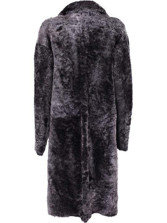 DROMe shearling coat. Neck