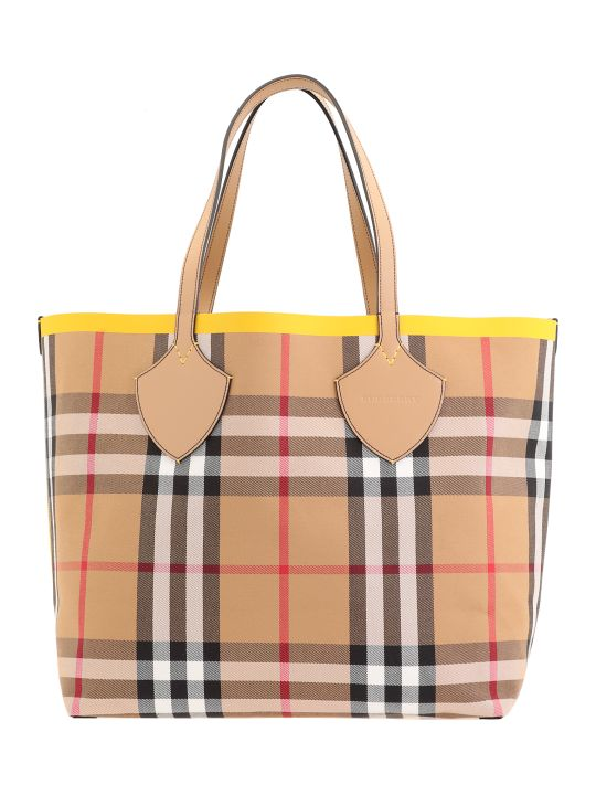 Burberry Giant Vintage Check