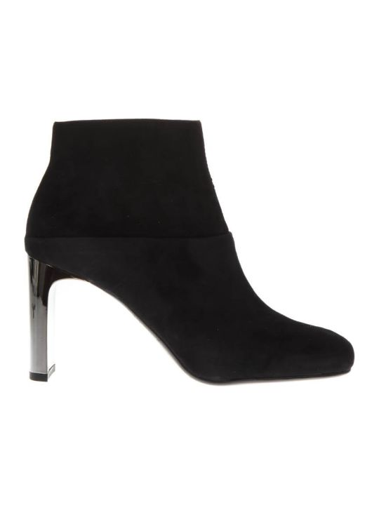Lola Cruz Black Suede Ankle Boots