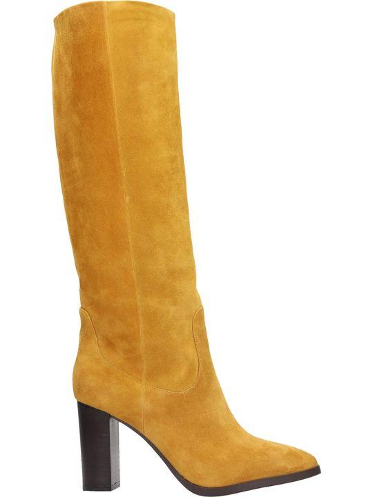 Lola Cruz High Heels Boots In Yellow Suede