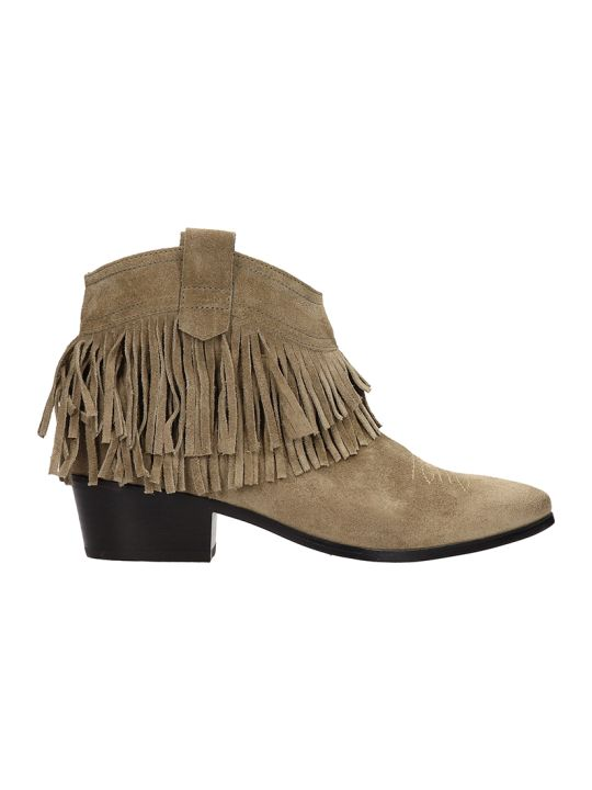 Janet & Janet Tex Suede Ankle Boots