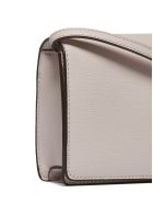 DKNY Logo Plaque Shoulder Bag - Rosa