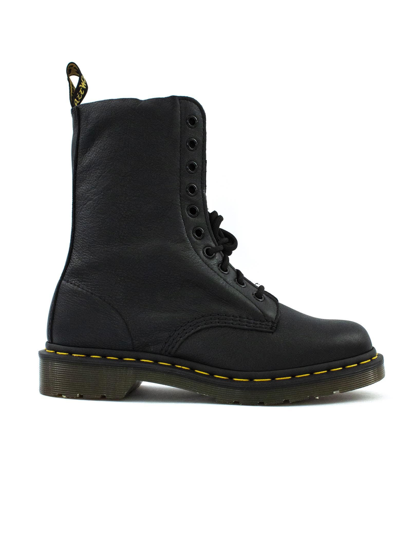 dr. martens -  Black Grained Leather Boots.