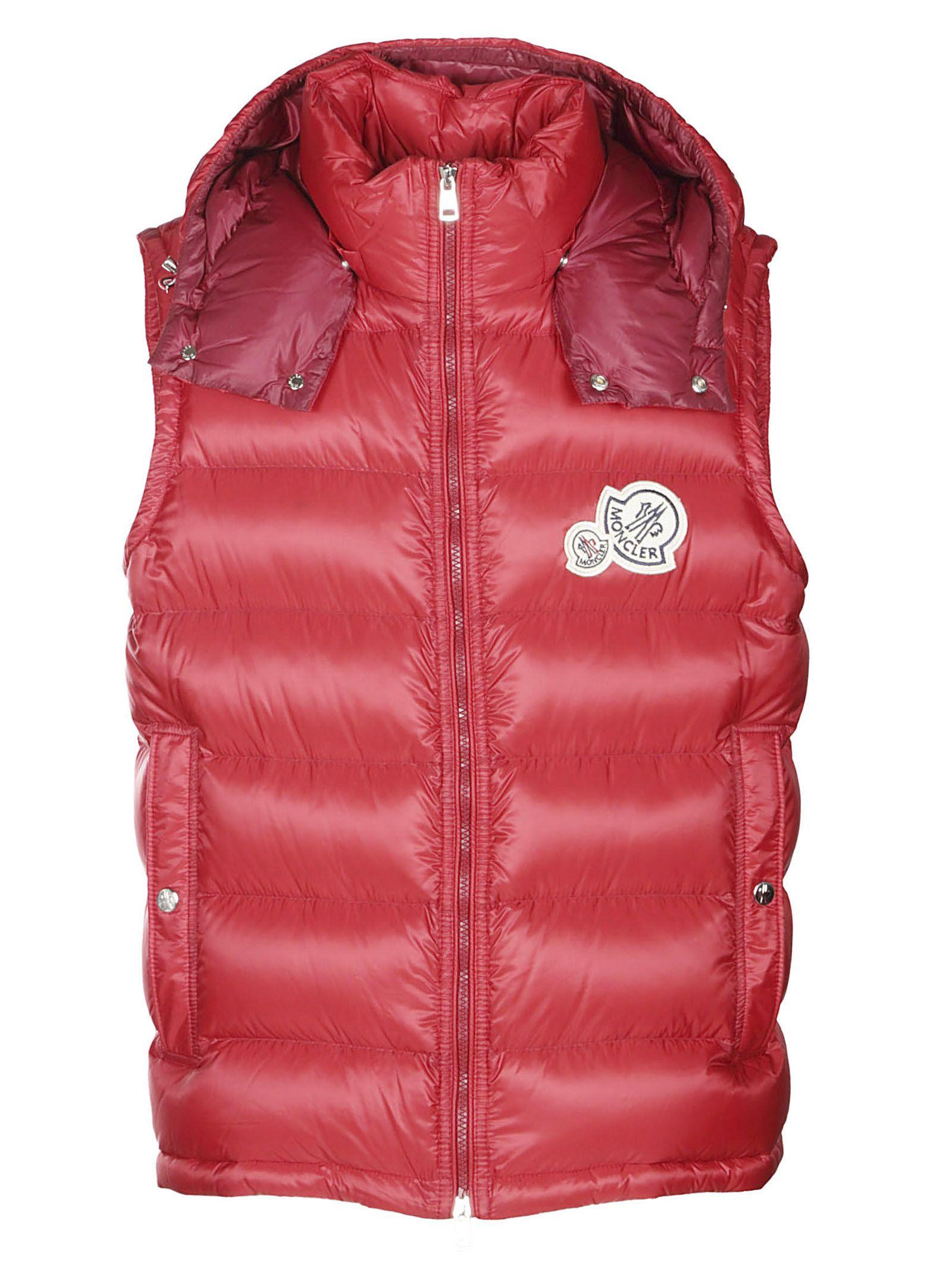 82ddcbdda99 Moncler Logo Padded Gilet - Red ...