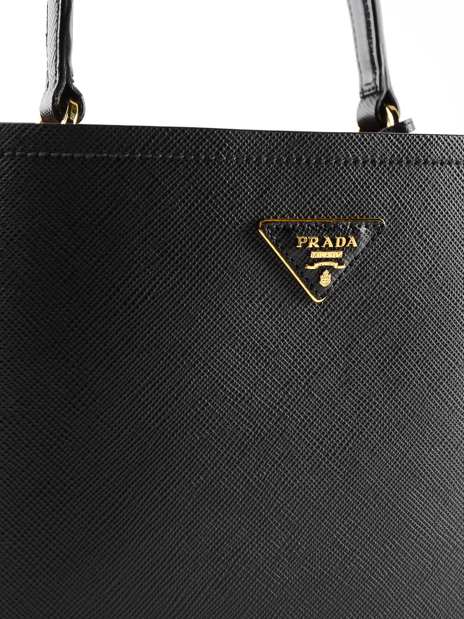 5a7246a1b9f2e2 Prada Prada City Logo Plaque Tote - Nero/fuoco - 10938230 | italist