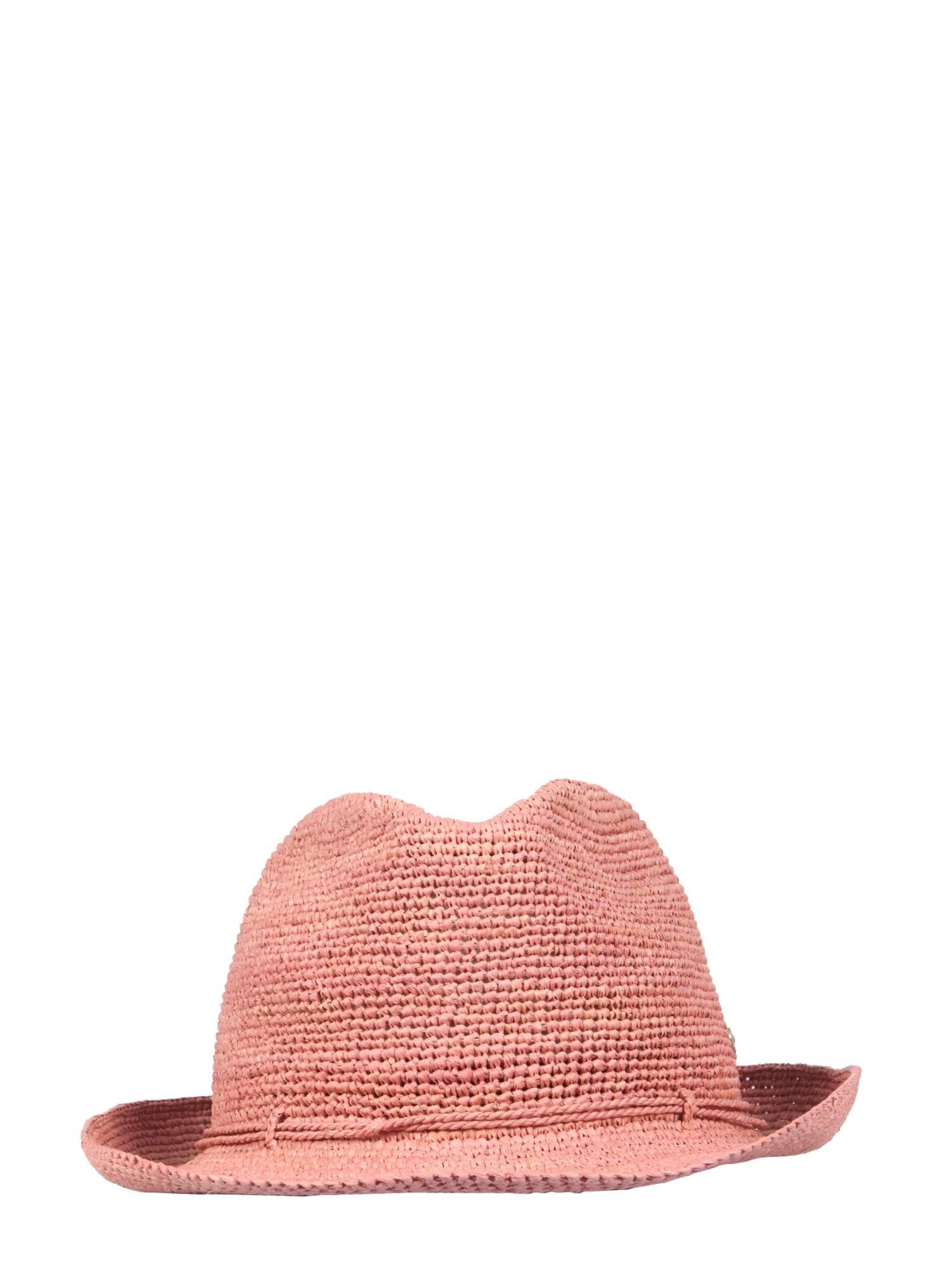 Wide-brimmed fai Hat