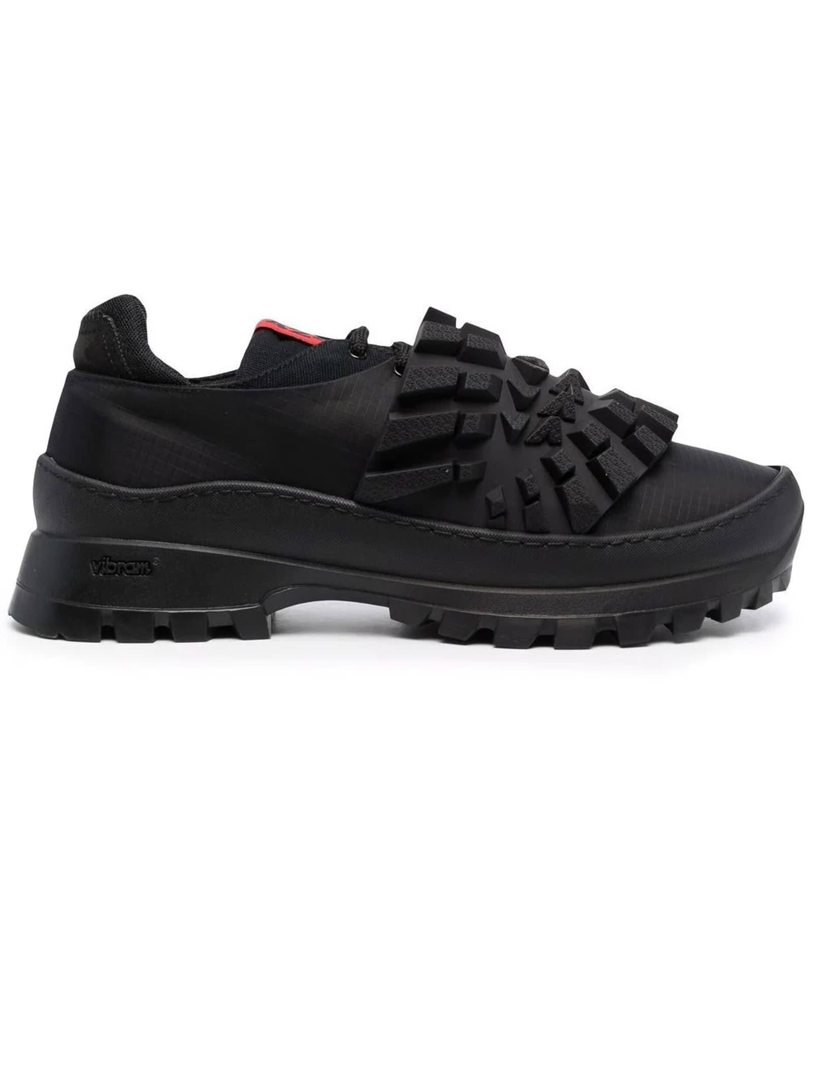 Black Snekers