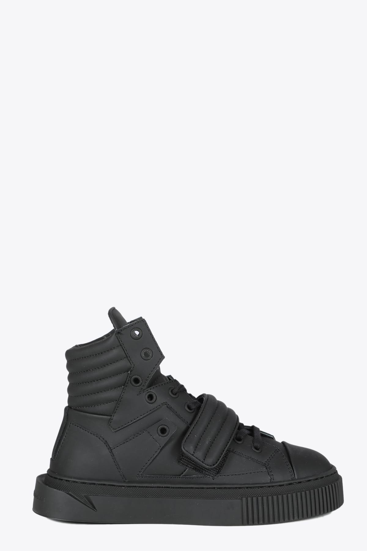 Hypnos Black Leather Sneaker