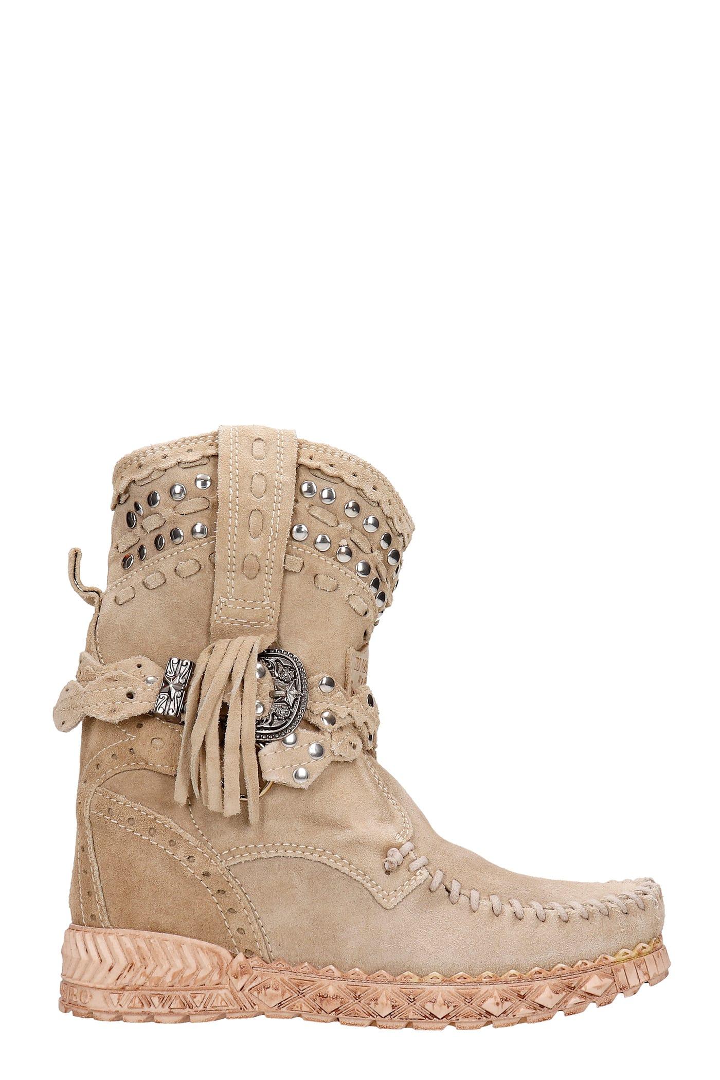 Yara Ankel Boots Inside Wedge In Beige Suede