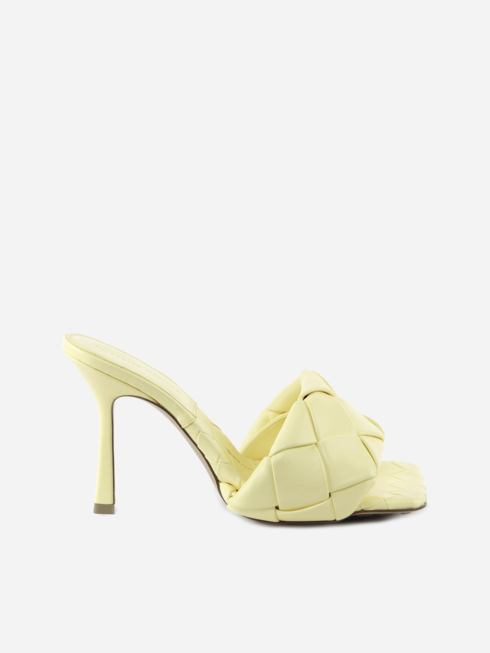 Buy Bottega Veneta Lido Sandals In Leather With Woven Pattern online, shop Bottega Veneta shoes with free shipping