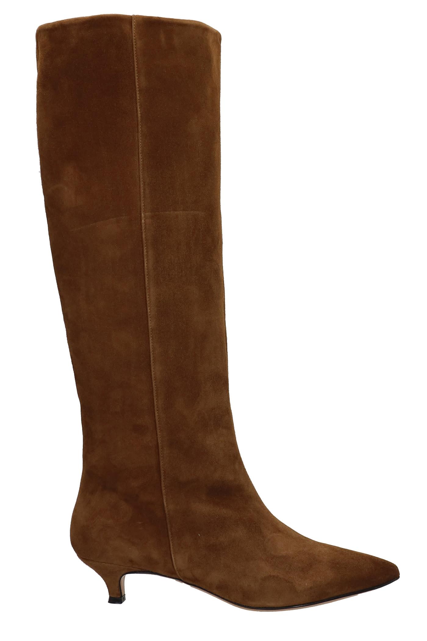 Low Heels Boots In Brown Suede