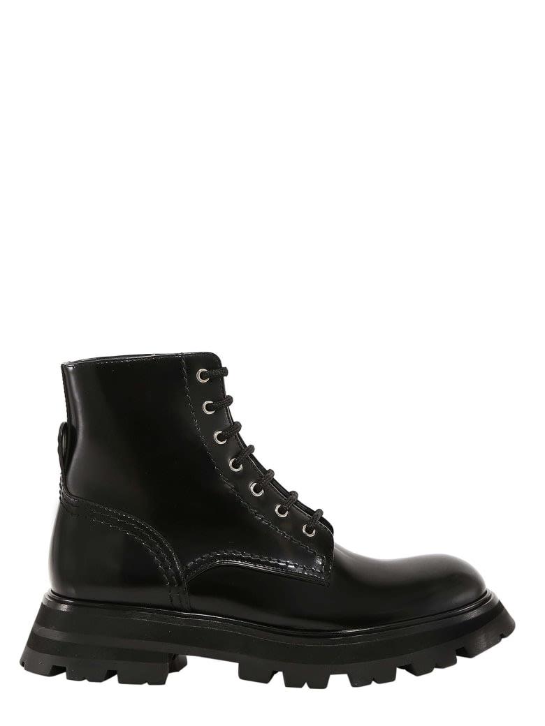 Buy Alexander McQueen Boot Wander online, shop Alexander McQueen shoes with free shipping