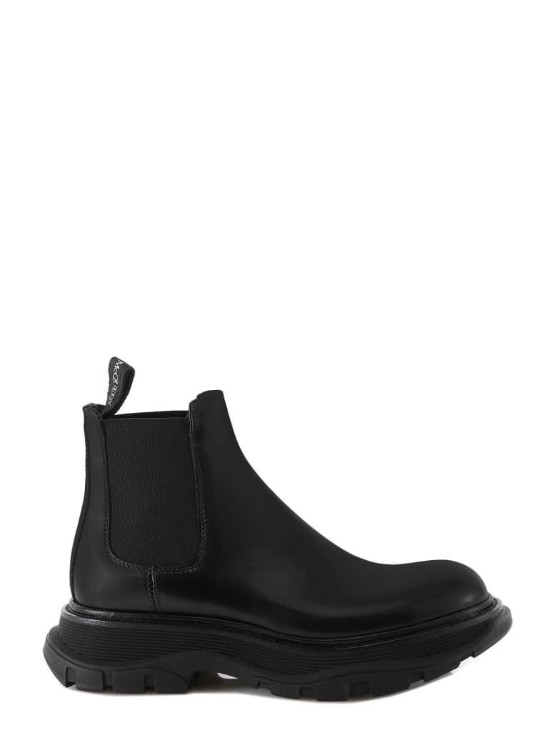 Buy Alexander McQueen Boot Chelsea Tread online, shop Alexander McQueen shoes with free shipping