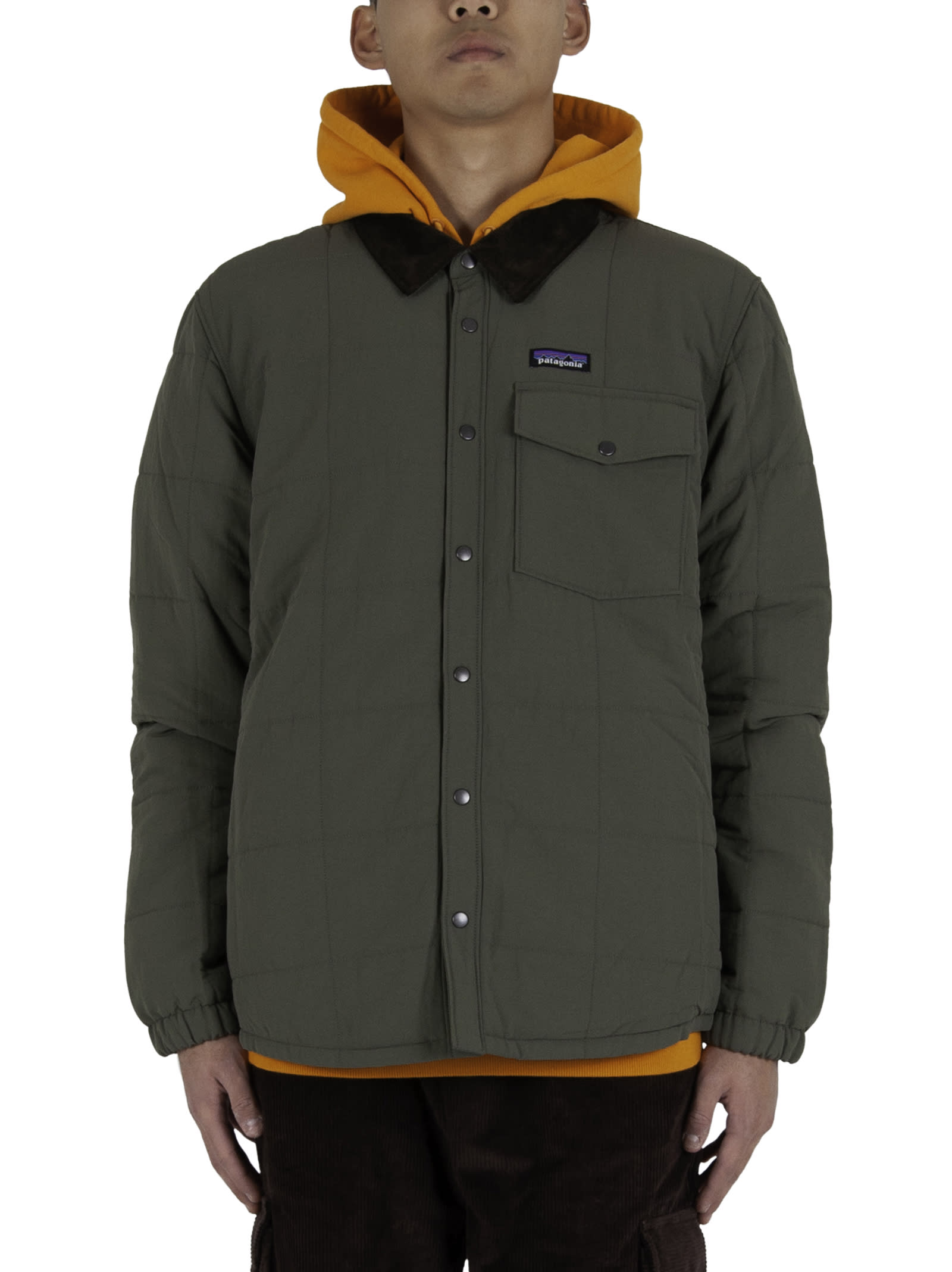 Shirt jacket; - Button closure; - Chest pocket with button closure; - Logoed insert applied on the chest; - Fleece interior with pocket, velvet collar. - Composition: 100% Polyester (92% Recycled) - Color: Green