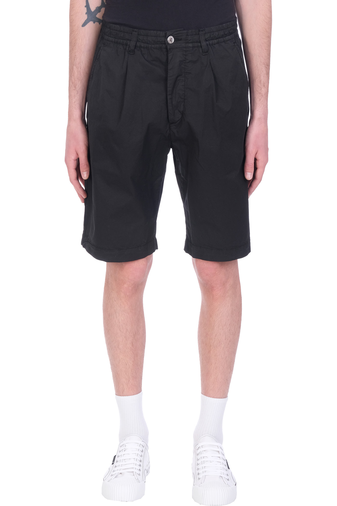 Harrison Shorts In Black Cotton