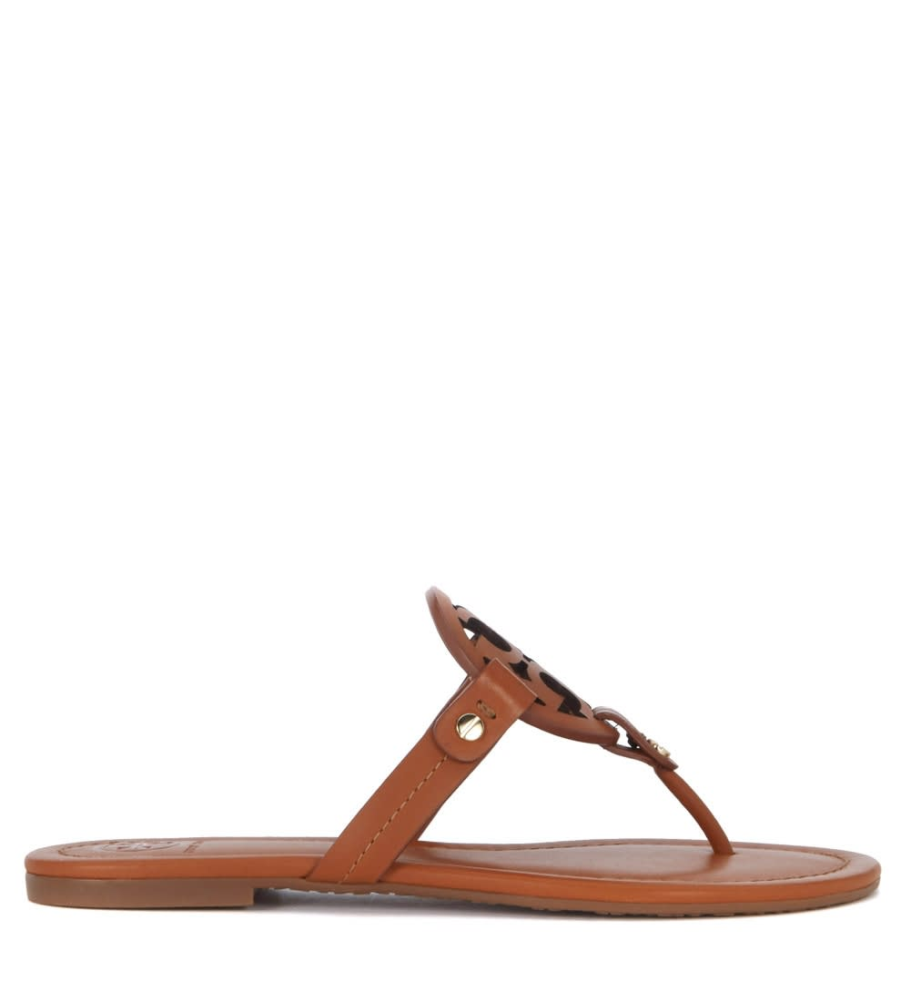 Buy Sandalo Tory Burch Miller In Pelle Cuoio Con Logo Traforato online, shop Tory Burch shoes with free shipping