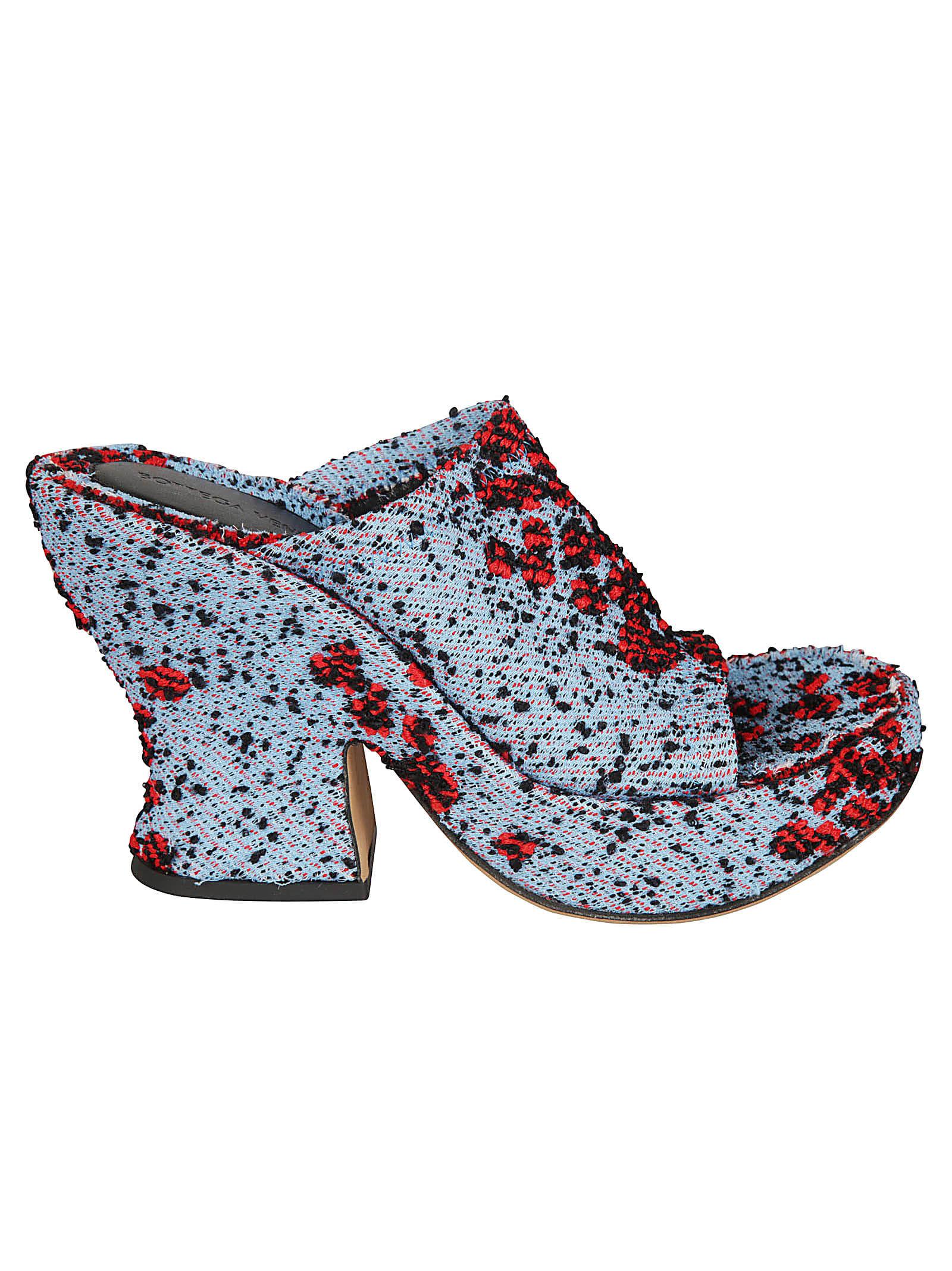 Buy Bottega Veneta Compact Bubble Sandals online, shop Bottega Veneta shoes with free shipping